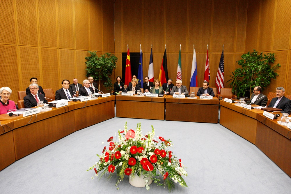 A general view shows representatives of Iran, the United States, China, Russia, Britain, France, Germany and the European Commission attending the EU 5+1 Talks with Iran at the UN headquarters in Vienna on February 18, 2014. AFP PHOTO /  DIETER NAGL